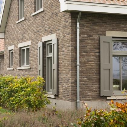 Dom jednorodzinny z wykorzystaniem cegły ręcznie formowanej